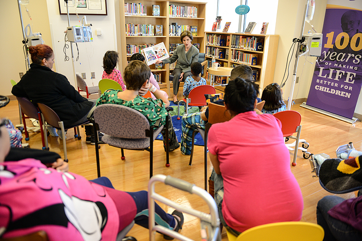 former first lady laura bush reads her book
